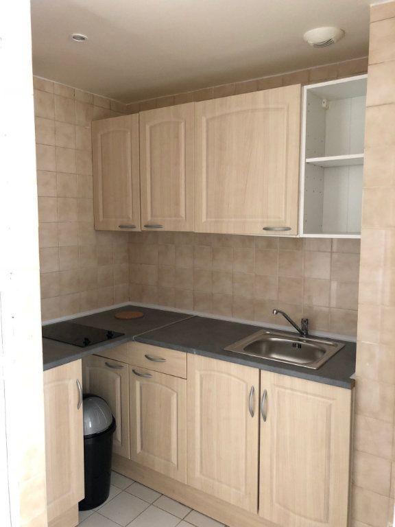 Appartement à louer 2 34.18m2 à Joinville-le-Pont vignette-4