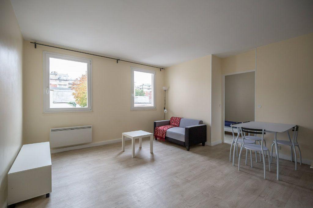 Appartement à louer 2 34.18m2 à Joinville-le-Pont vignette-1