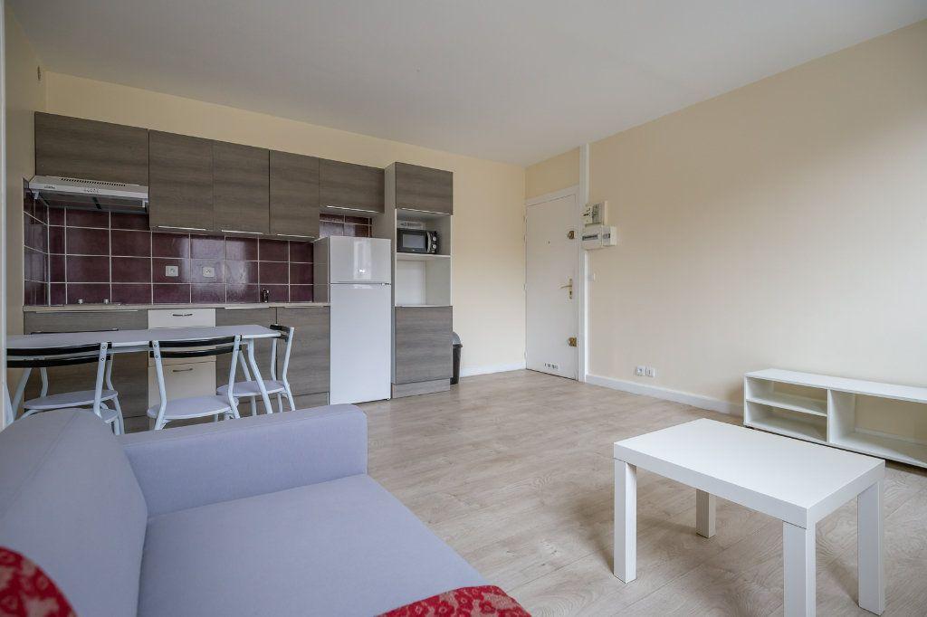 Appartement à louer 2 34.18m2 à Joinville-le-Pont vignette-5