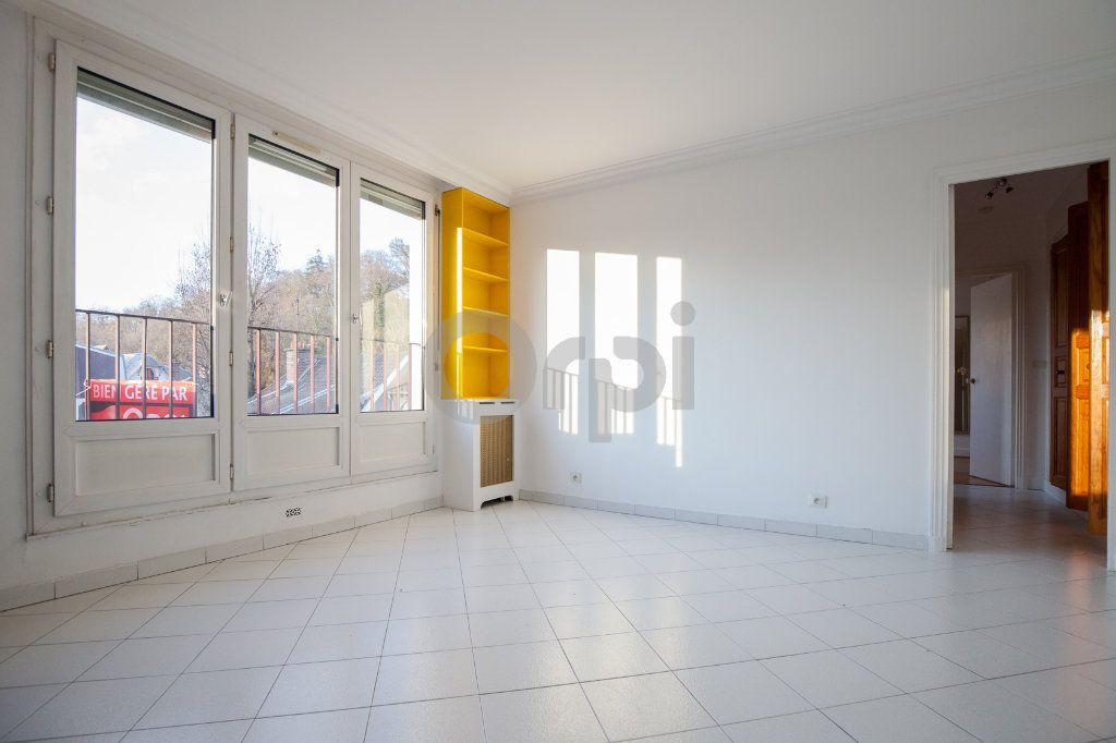 Appartement à louer 3 52.82m2 à Saint-Maurice vignette-1