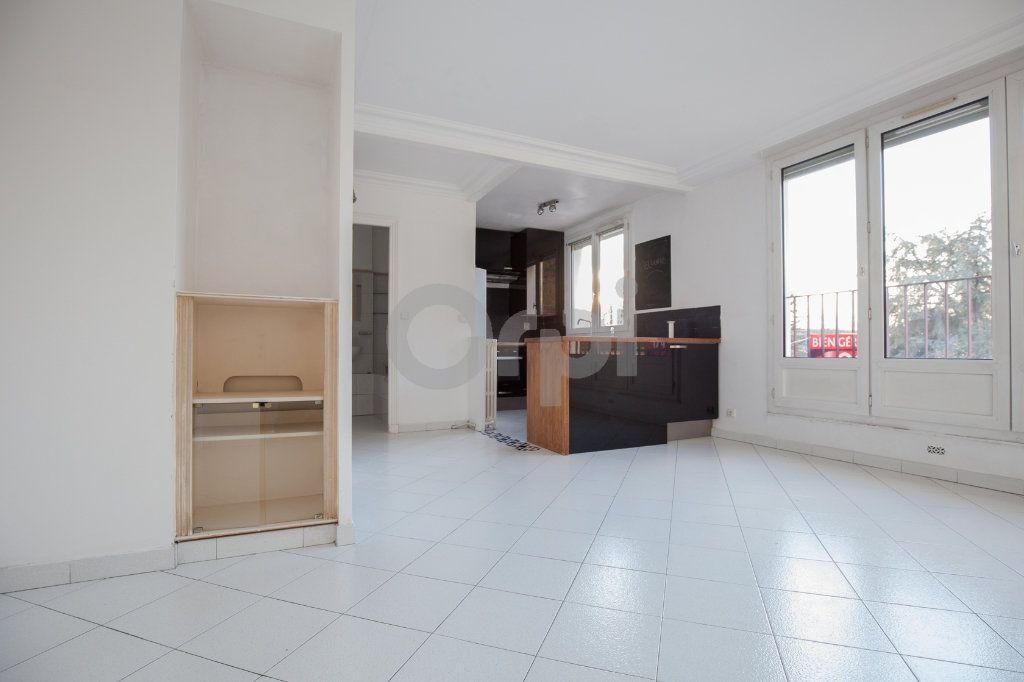 Appartement à louer 3 52.82m2 à Saint-Maurice vignette-3