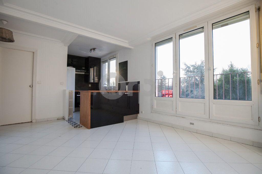 Appartement à louer 3 52.82m2 à Saint-Maurice vignette-4