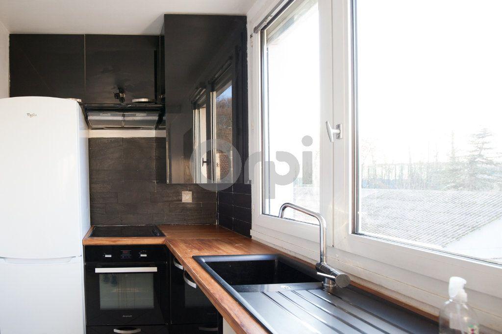 Appartement à louer 3 52.82m2 à Saint-Maurice vignette-5