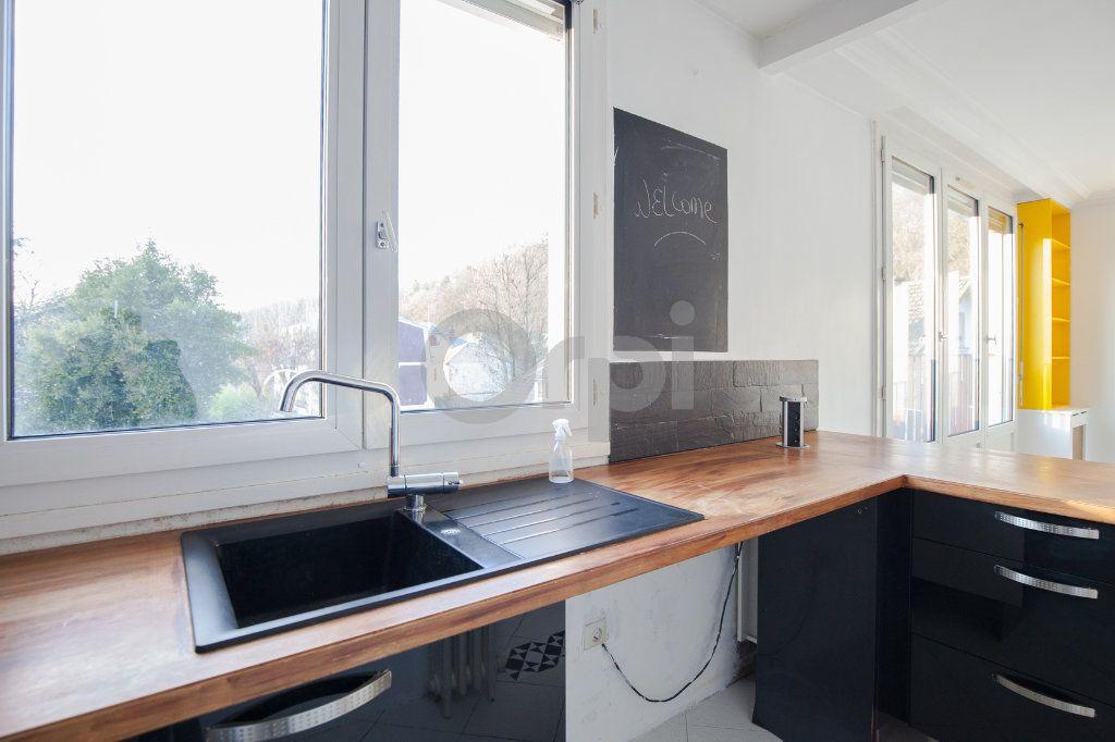 Appartement à louer 3 52.82m2 à Saint-Maurice vignette-6
