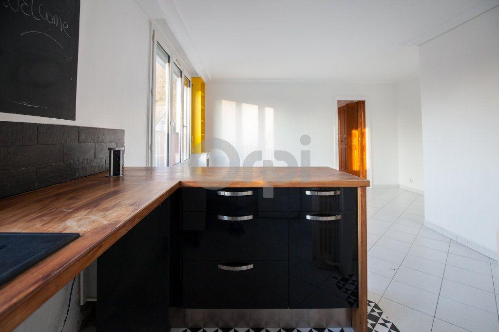Appartement à louer 3 52.82m2 à Saint-Maurice vignette-8