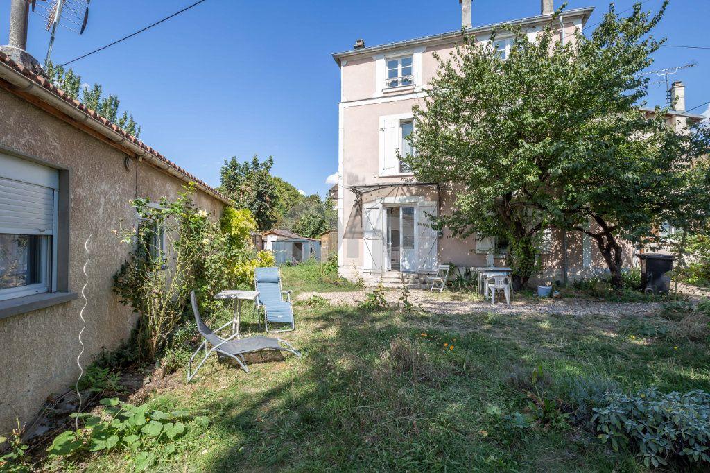 Appartement à vendre 2 38.09m2 à Saint-Maur-des-Fossés vignette-2