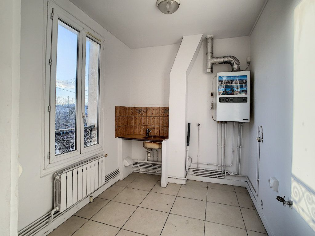 Appartement à louer 2 33.96m2 à Joinville-le-Pont vignette-4
