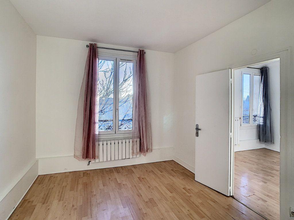Appartement à louer 2 33.96m2 à Joinville-le-Pont vignette-5