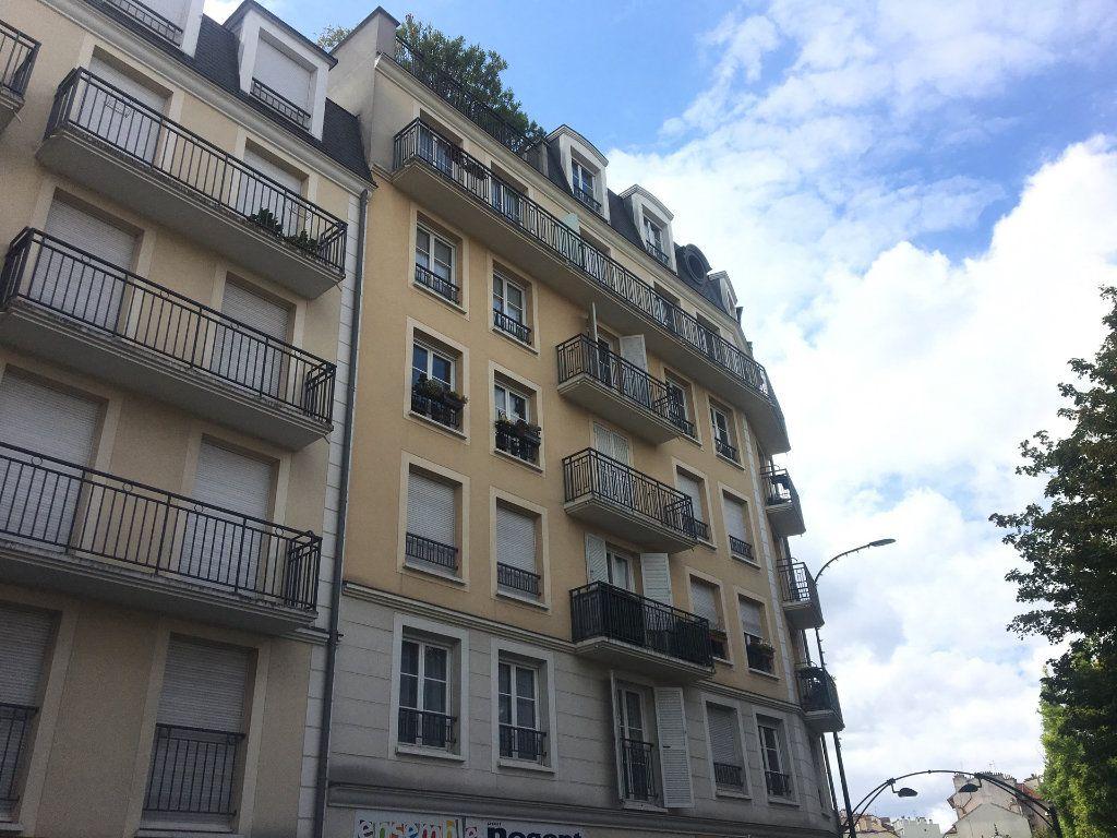 Appartement à louer 2 53m2 à Nogent-sur-Marne vignette-1