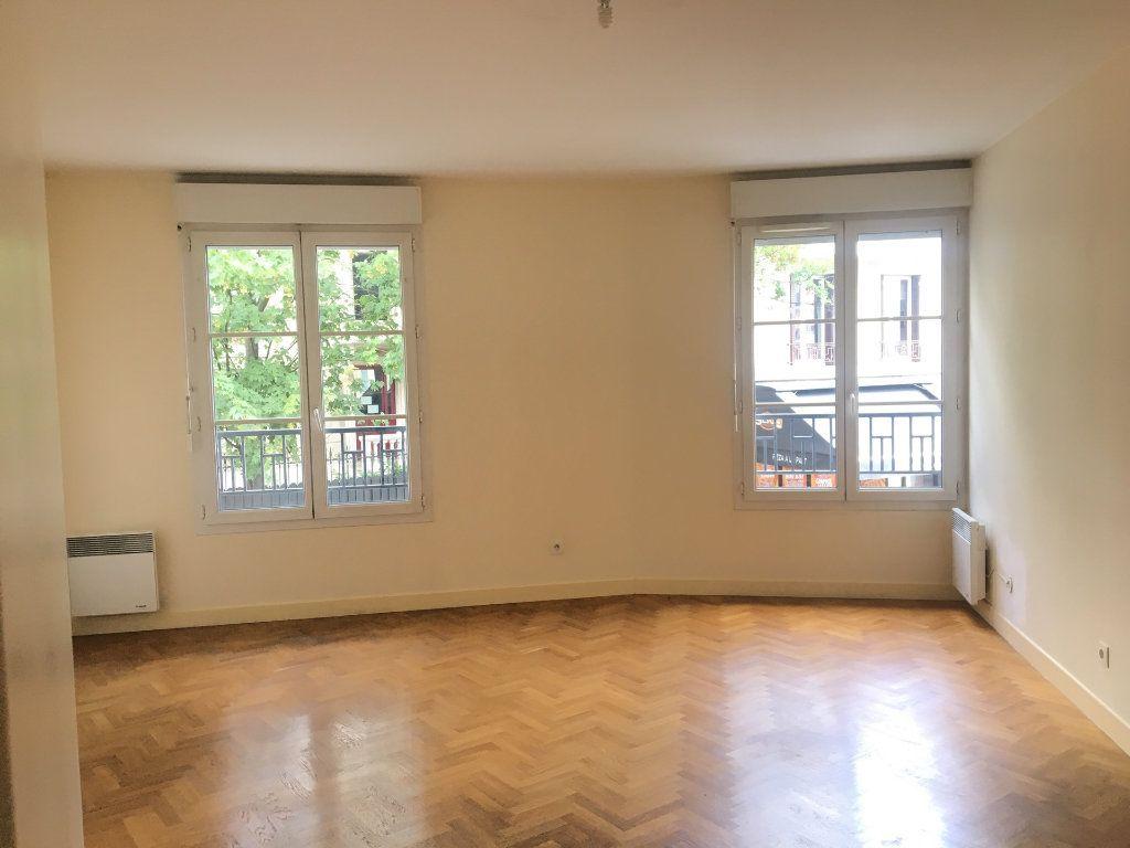 Appartement à louer 2 53m2 à Nogent-sur-Marne vignette-2