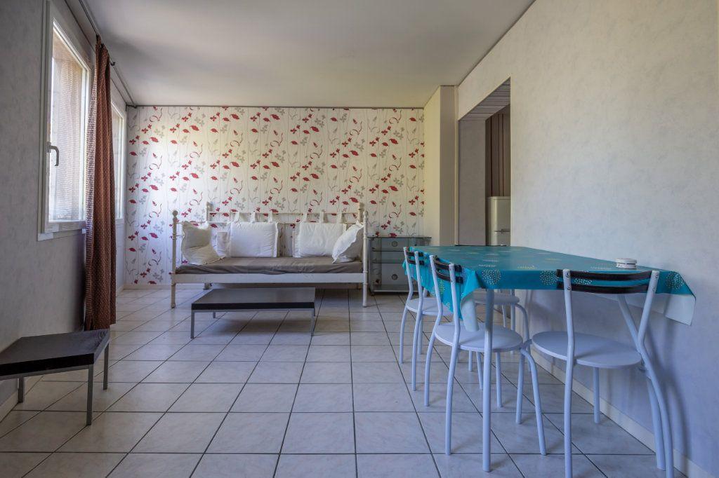 Appartement à louer 2 34.18m2 à Joinville-le-Pont vignette-2