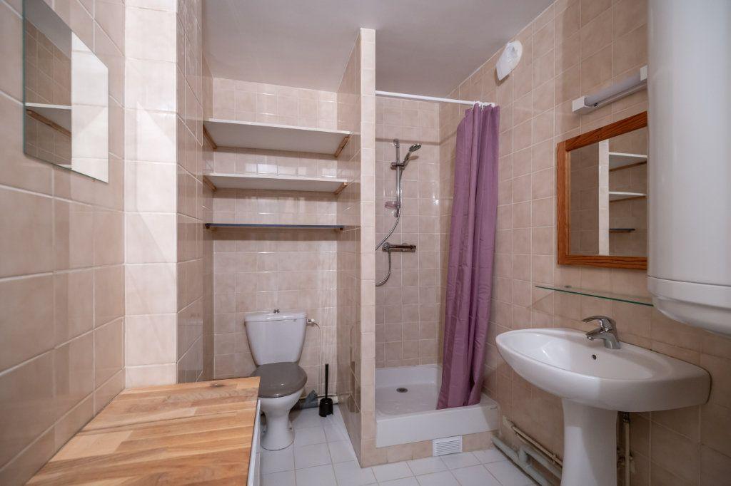Appartement à louer 2 34.18m2 à Joinville-le-Pont vignette-7