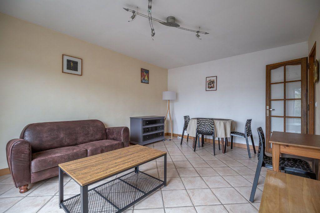 Appartement à louer 3 63.8m2 à Joinville-le-Pont vignette-3