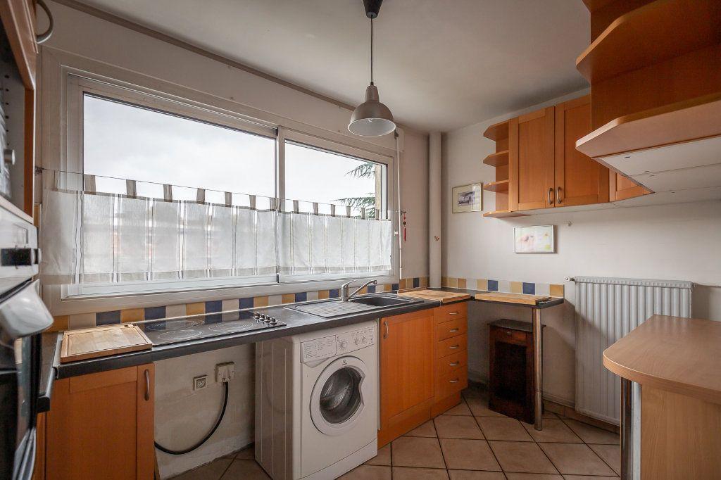 Appartement à louer 3 63.8m2 à Joinville-le-Pont vignette-4