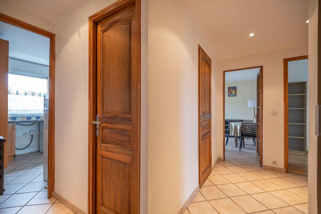 Appartement à louer 3 63.8m2 à Joinville-le-Pont vignette-9