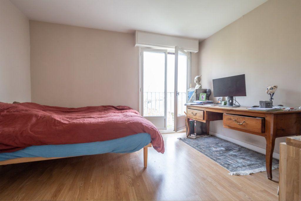 Appartement à vendre 3 69m2 à Saint-Maur-des-Fossés vignette-11