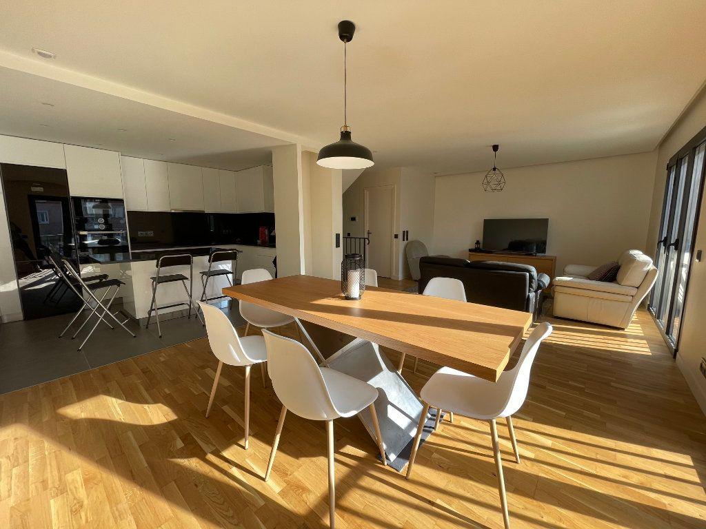 Maison à vendre 6 155.21m2 à Joinville-le-Pont vignette-1