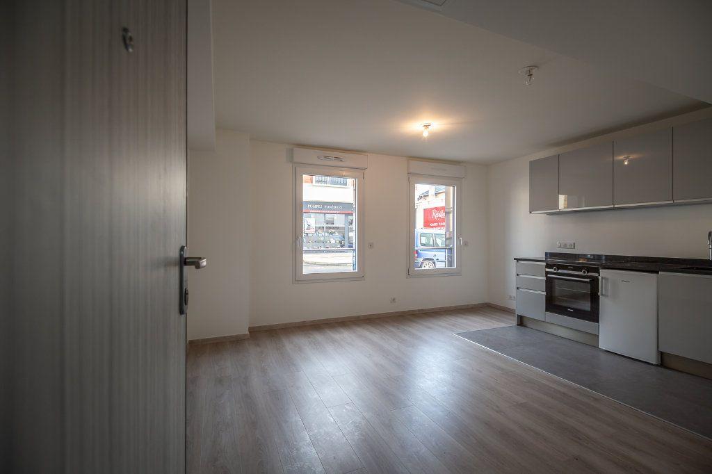 Appartement à louer 1 21.5m2 à Joinville-le-Pont vignette-1