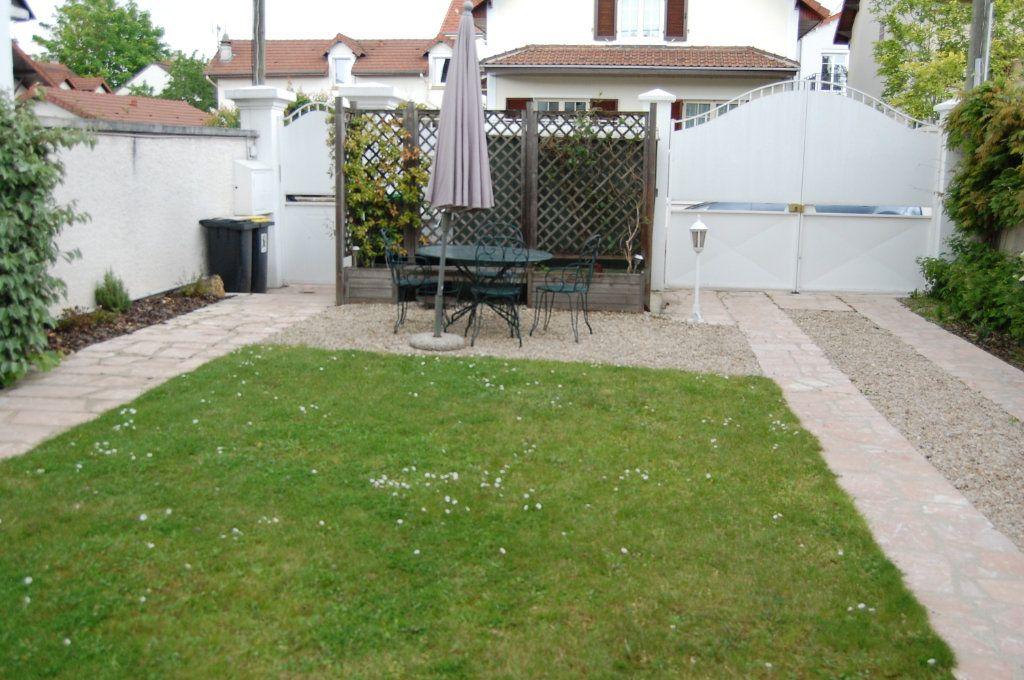 Maison à vendre 5 100m2 à Saint-Maur-des-Fossés vignette-12