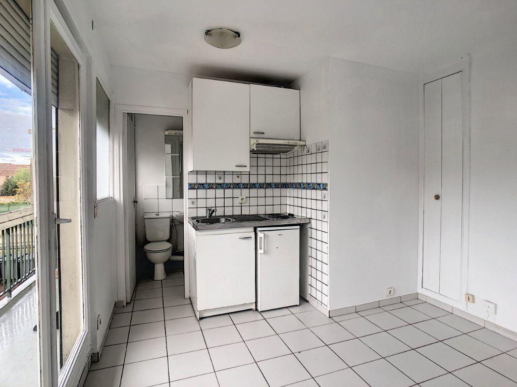 Appartement à louer 1 12.98m2 à Saint-Maur-des-Fossés vignette-1