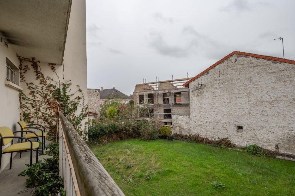 Appartement à vendre 1 18.85m2 à Joinville-le-Pont vignette-7