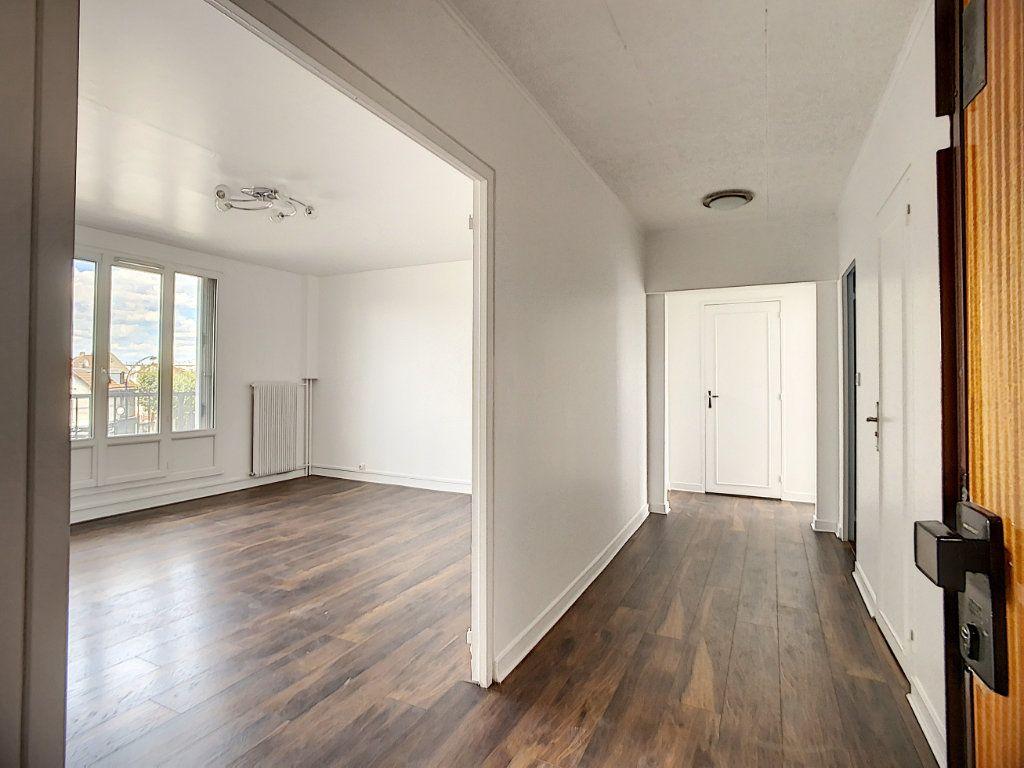 Appartement à louer 3 69.39m2 à Champigny-sur-Marne vignette-1