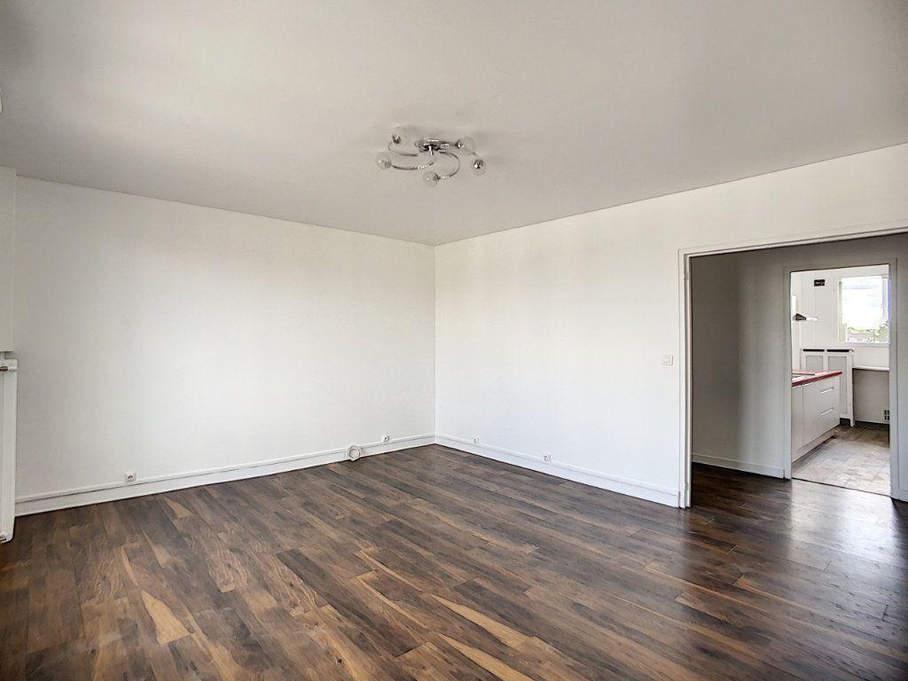 Appartement à louer 3 69.39m2 à Champigny-sur-Marne vignette-3