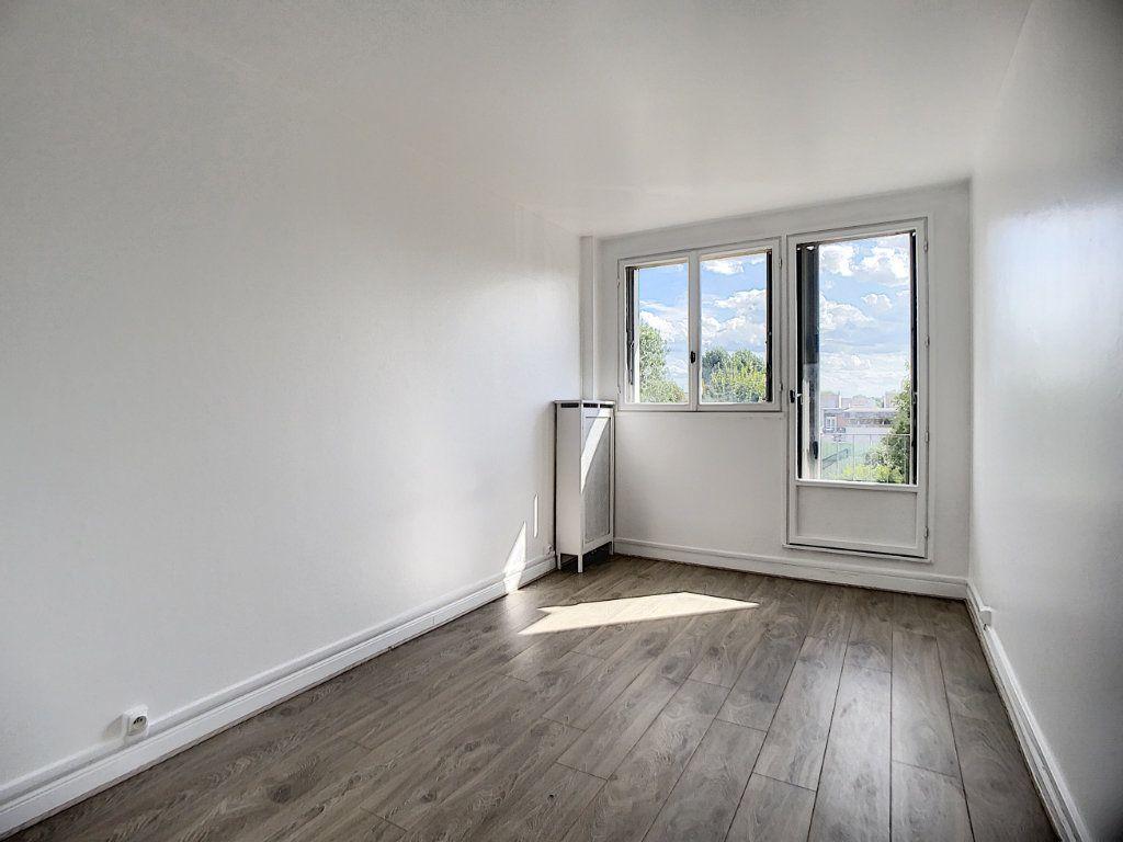 Appartement à louer 3 69.39m2 à Champigny-sur-Marne vignette-9