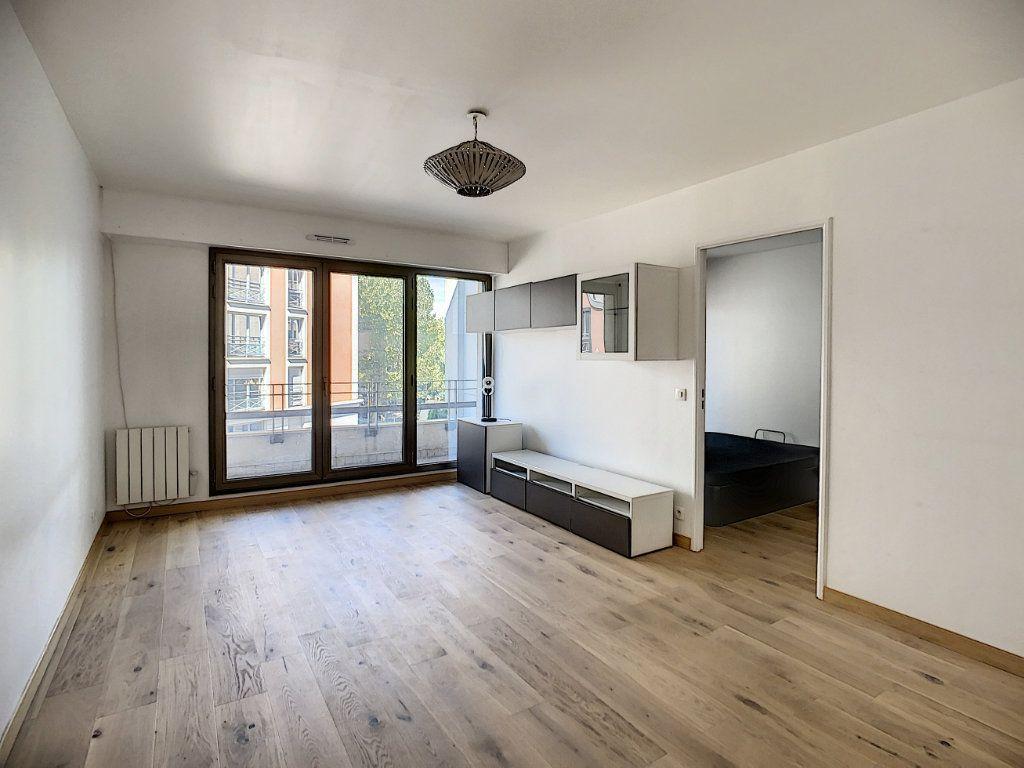 Appartement à louer 2 43.82m2 à Joinville-le-Pont vignette-5