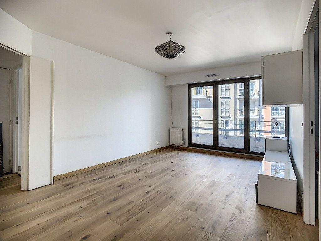 Appartement à louer 2 43.82m2 à Joinville-le-Pont vignette-7