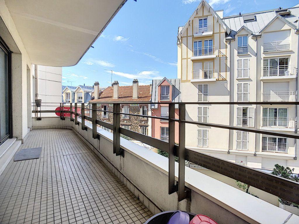 Appartement à louer 2 43.82m2 à Joinville-le-Pont vignette-12