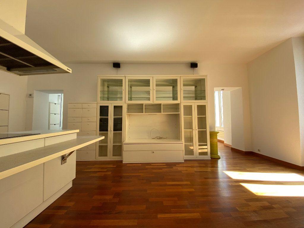 Appartement à louer 2 50m2 à Neuilly-sur-Seine vignette-4