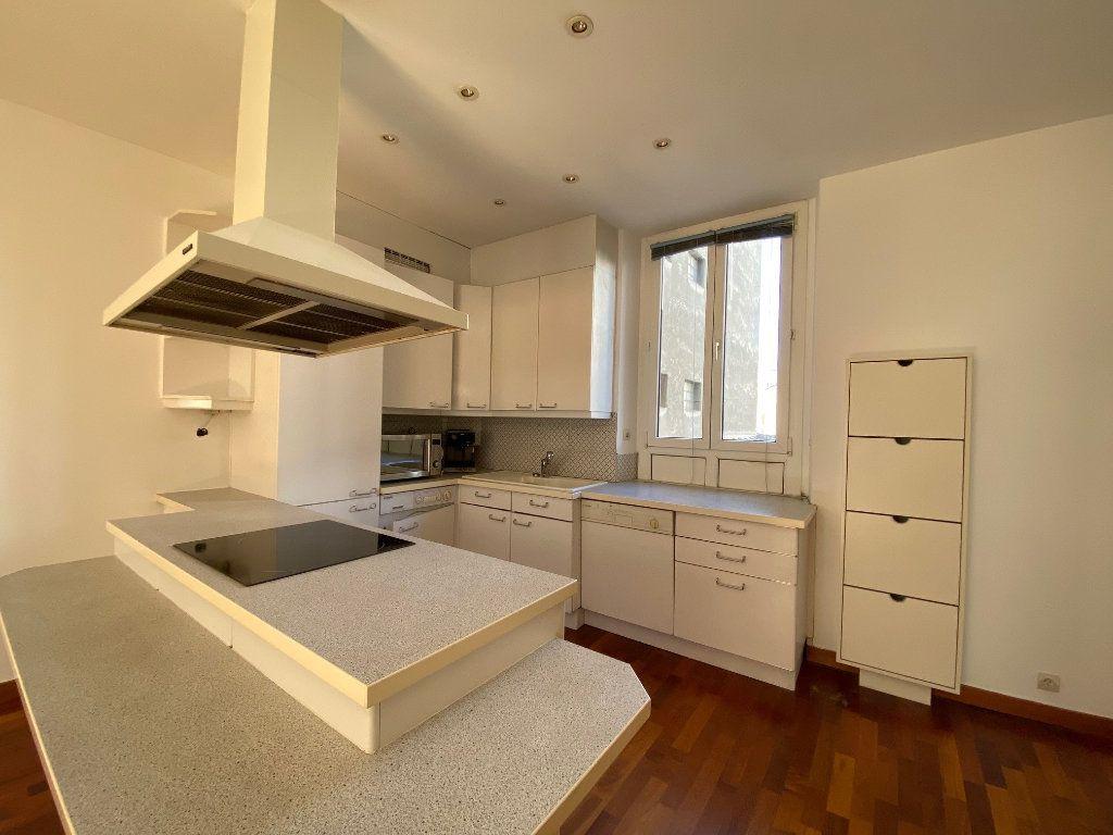 Appartement à louer 2 50m2 à Neuilly-sur-Seine vignette-5