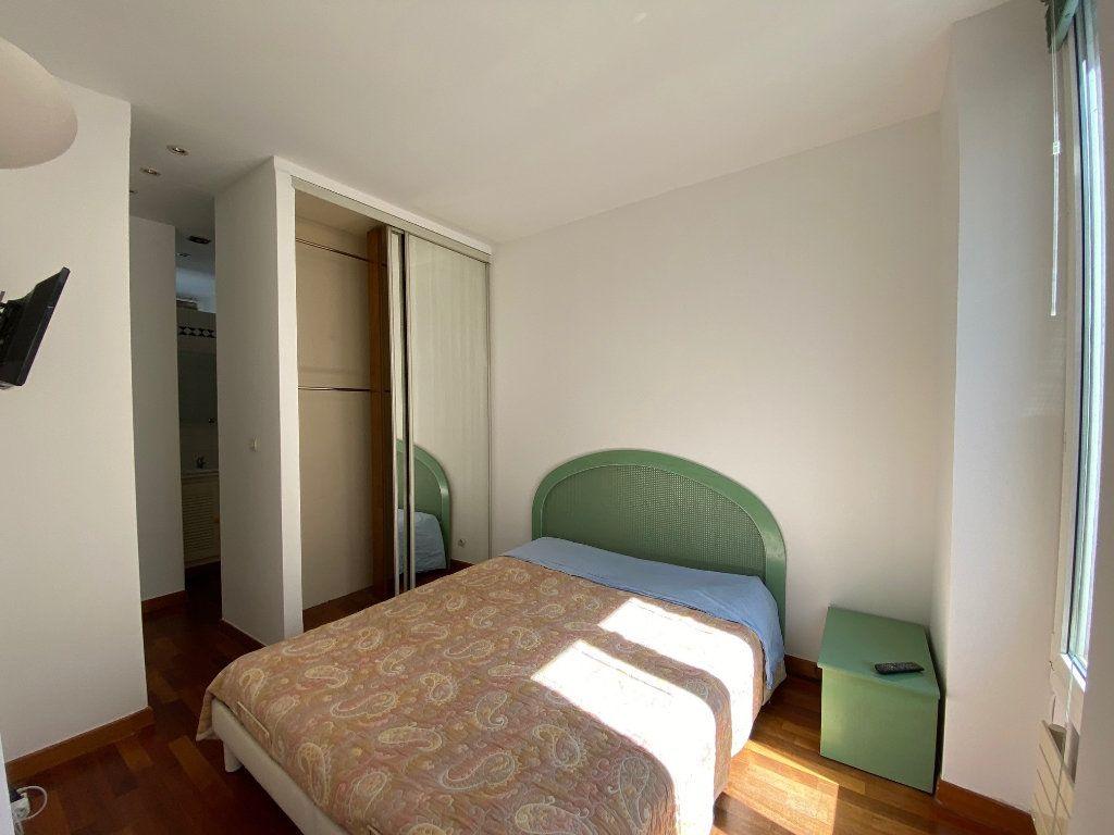 Appartement à louer 2 50m2 à Neuilly-sur-Seine vignette-7