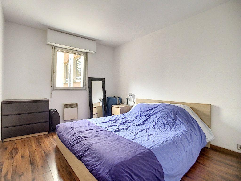 Appartement à louer 2 51.03m2 à Joinville-le-Pont vignette-3
