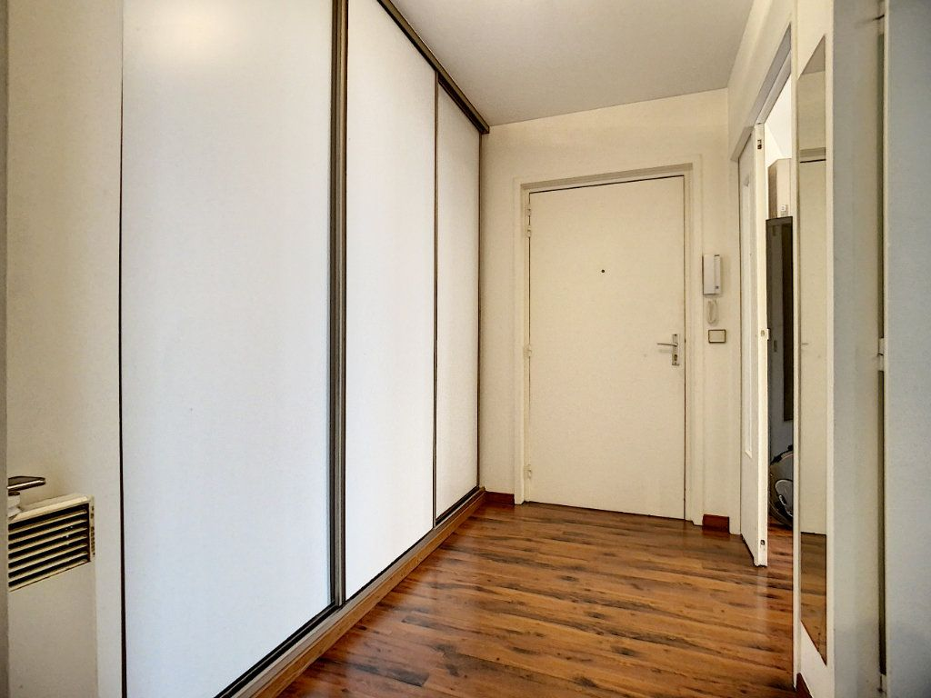 Appartement à louer 2 51.03m2 à Joinville-le-Pont vignette-5