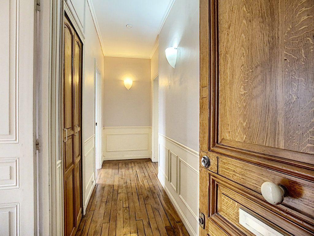 Appartement à louer 2 49.25m2 à Saint-Maur-des-Fossés vignette-2