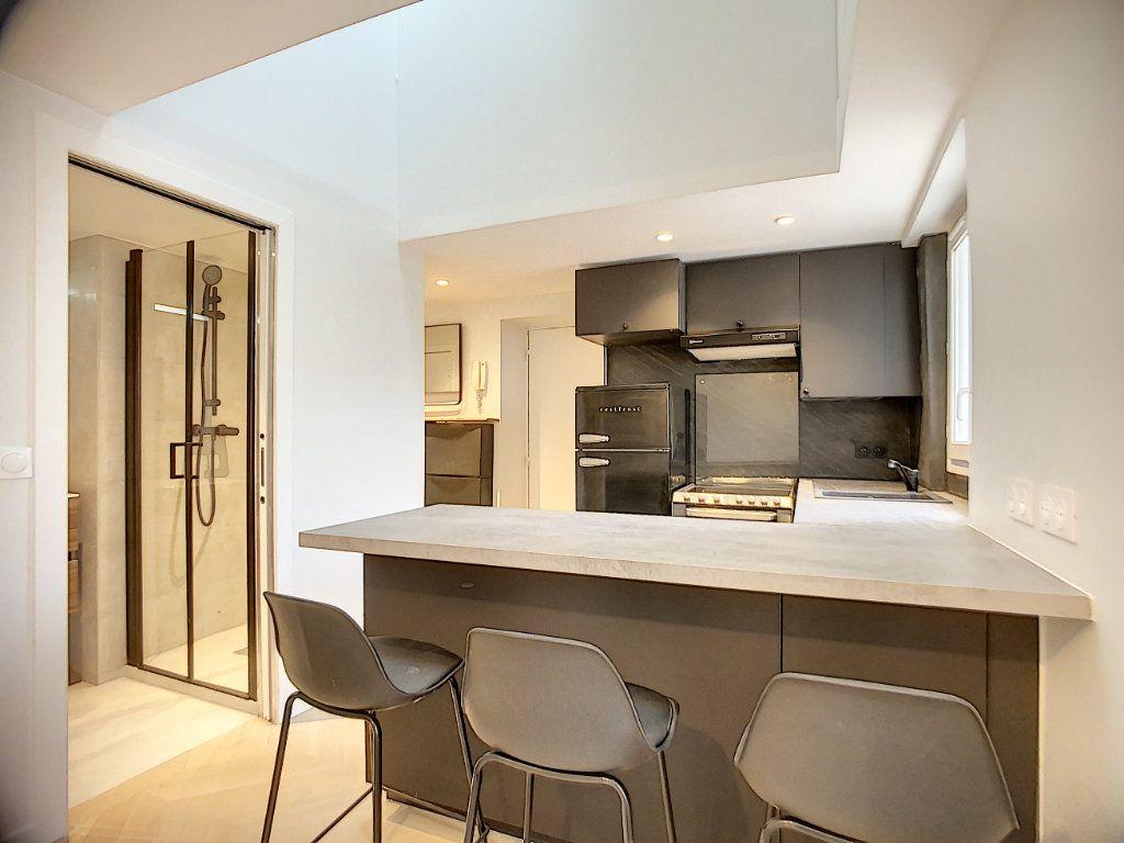 Appartement à louer 3 42.36m2 à Paris 12 vignette-2