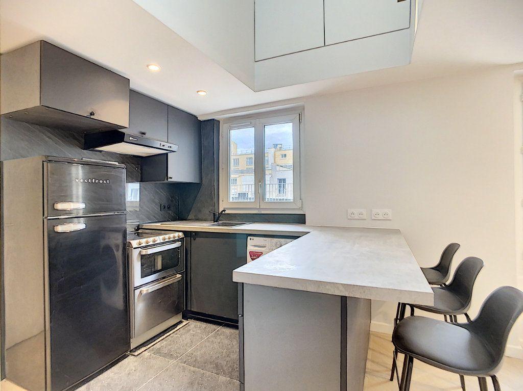 Appartement à louer 3 42.36m2 à Paris 12 vignette-3