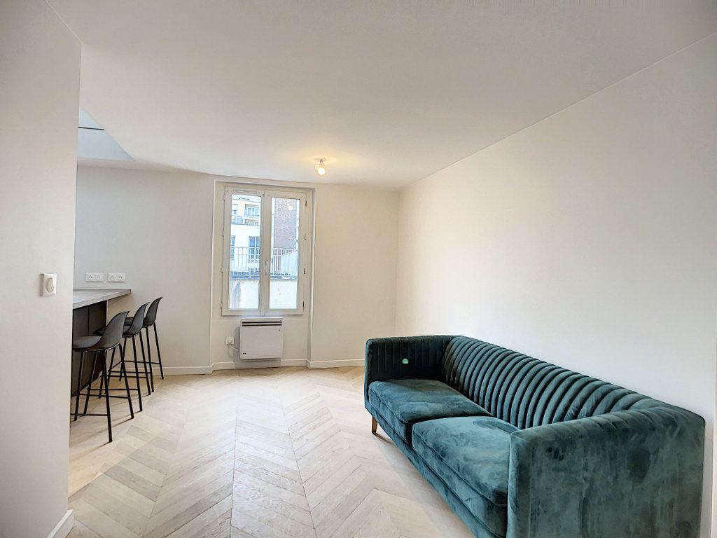 Appartement à louer 3 42.36m2 à Paris 12 vignette-5