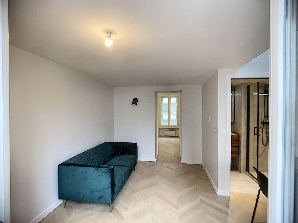Appartement à louer 3 42.36m2 à Paris 12 vignette-6