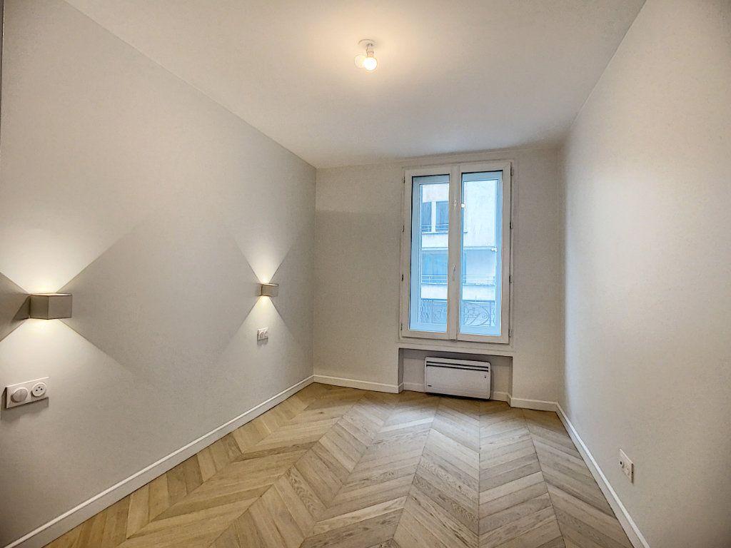Appartement à louer 3 42.36m2 à Paris 12 vignette-10