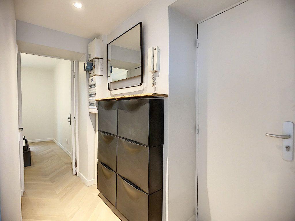 Appartement à louer 3 42.36m2 à Paris 12 vignette-13