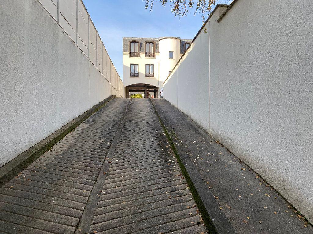 Stationnement à louer 0 12m2 à Saint-Maur-des-Fossés vignette-2