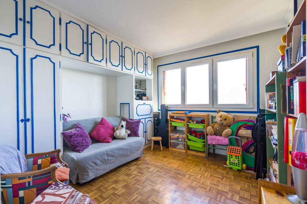 Appartement à vendre 3 69.54m2 à Champigny-sur-Marne vignette-5