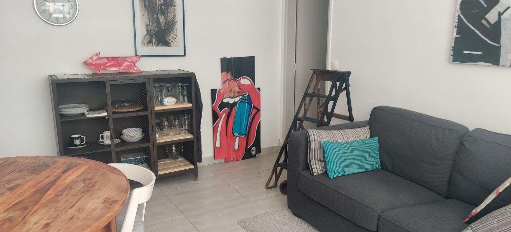 Appartement à vendre 3 54.95m2 à Joinville-le-Pont vignette-3