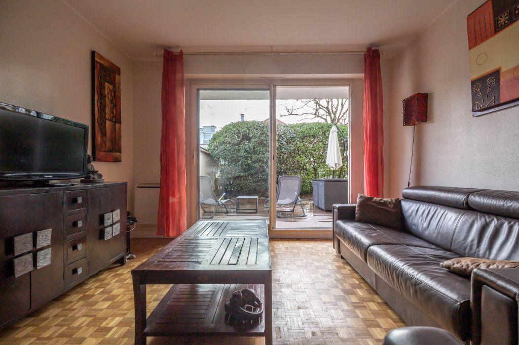 Appartement à vendre 3 67m2 à Saint-Maur-des-Fossés vignette-1