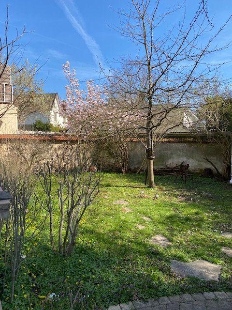 Maison à vendre 8 175m2 à Saint-Maur-des-Fossés vignette-2