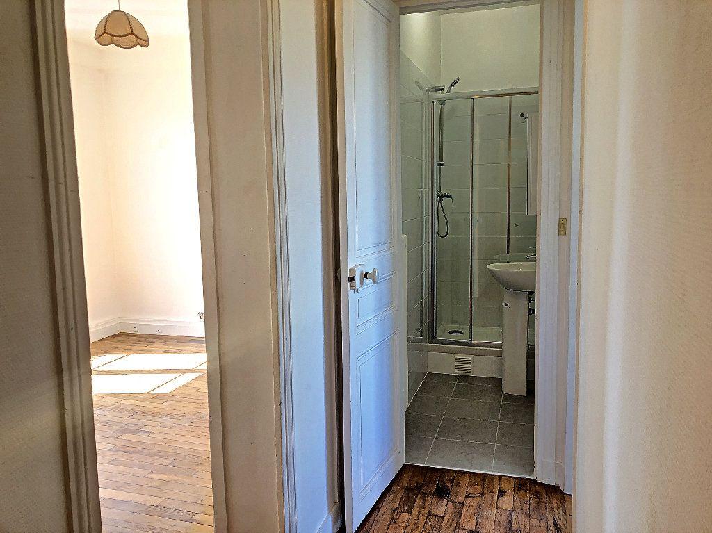 Appartement à louer 2 31.14m2 à Créteil vignette-3