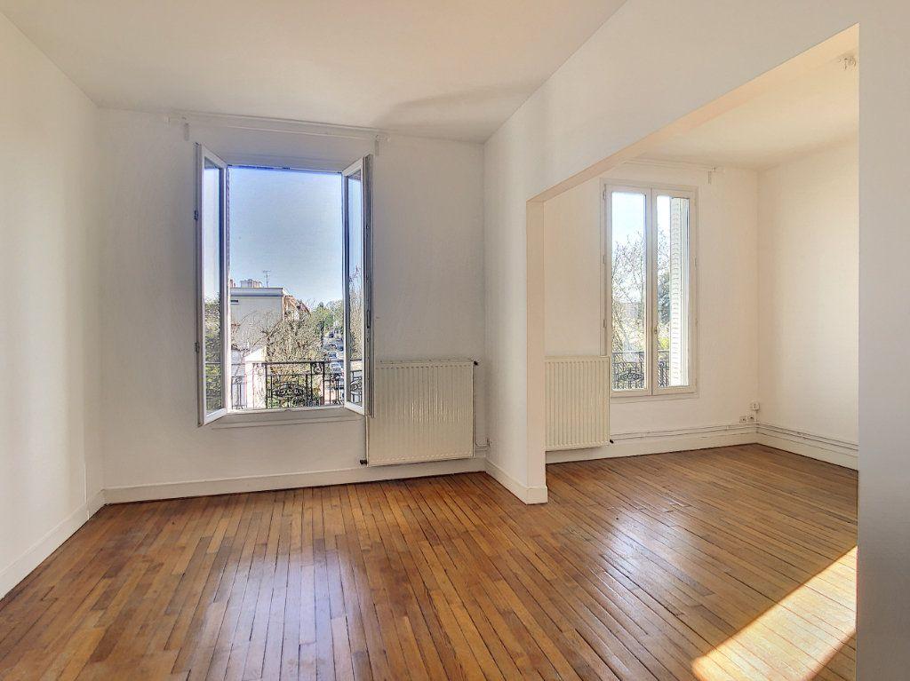 Appartement à louer 3 49.25m2 à Créteil vignette-2